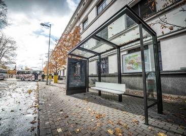 Kaune – pirmoji naujo dizaino viešojo transporto stotelės stoginė