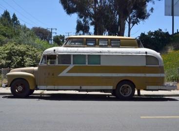 Patogūs namai – sename autobuse
