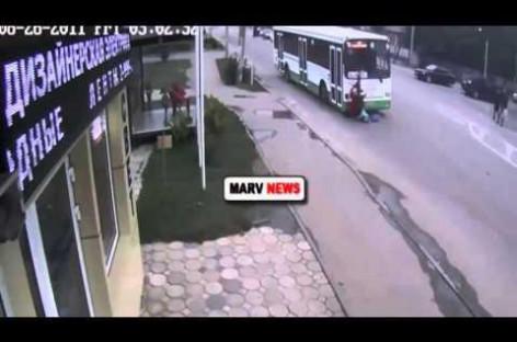 Krasnodare autobusas pėsčiųjų perėjoje partrenkė tris mokines (video)
