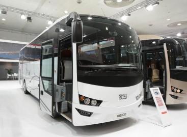 """""""Isuzu"""" atstovai kviečia aplankyti gamyklos stendą """"Busworld Europe"""" parodoje"""