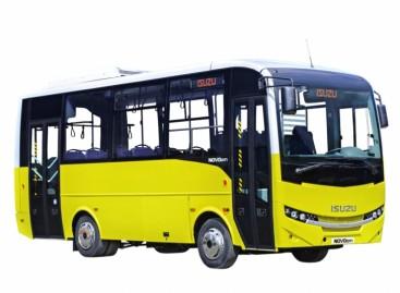 """Plungėje – naujas """"Isuzu"""" autobusas"""