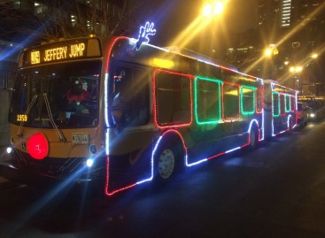 Šventiškai papuošti autobusai