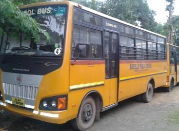 Indijoje draus naudoti senesnius nei penkiolikos metų autobusus