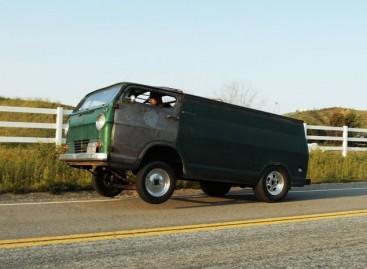 Autobusu – ant galinių ratų
