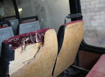 Rokiškio rajono mokiniai niokoja autobusus