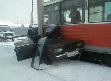 """Kas nutinka, kai bandai """"pasiginčyti"""" su tramvajumi?.."""