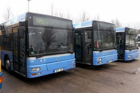 Išsinuomoti autobusai išvažiuos į sostinės gatves sutvarkius reikiamus dokumentus