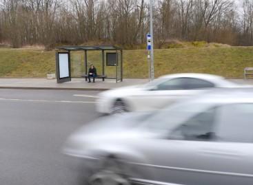 Naujoms stotelių stoginėms Kaune turi priekaištų: įrengs naujus suoliukus