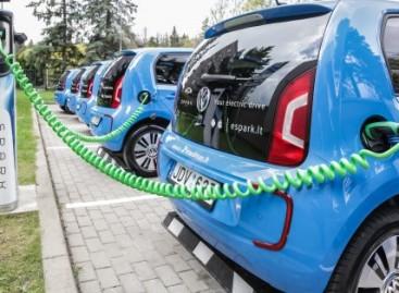 Vilniuje startuoja elektromobilių dalijimosi paslauga