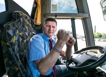 Autobusą vairuojantis tekvondo meistras užkrečia pozityviu požiūriu į gyvenimą