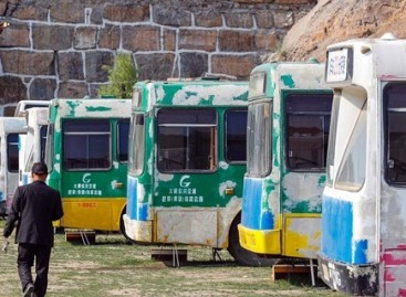 """Kiniečiai perdaro senus autobusus į """"meilės viešbučius"""""""