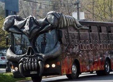 Užsienio žvaigždžių gastrolių autobusai