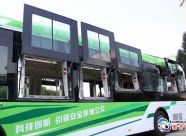 Kinijoje pristatytas saugiausias pasaulyje autobusas