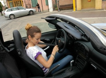 Saugaus eismo iniciatyva: prie vairo elgtis atsakingiau skatins ir programėlė telefone
