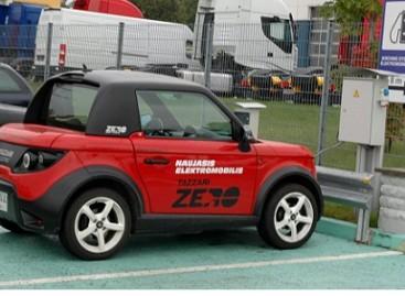 Sostinės centre – daugiau vietų elektromobiliams įkrauti