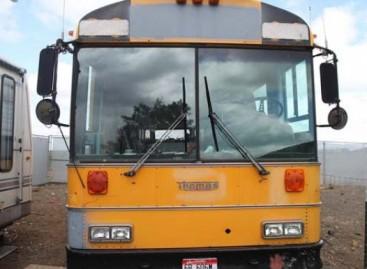 Daugiavaikės šeimos namai – sename autobuse