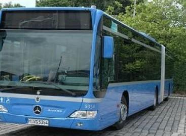 """Almatoje keleivius veš """"Mercedes-Benz"""" autobusai"""