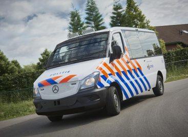 """""""VDL Bus & Coach"""" pristatė Olandijos policijai skirtus mikroautobusus"""