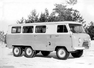 """""""UAZ-452К"""" – triašis mikroautobusas"""