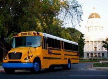 JAV vaikai bus vežami elektriniais autobusais