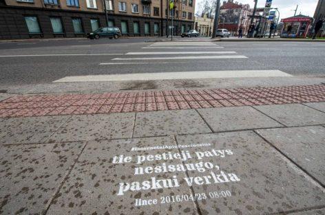 Netradicinis Kauno sprendimas: į pėsčiuosius kreipėsi interneto komentatorių lūpomis
