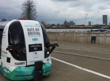 Londone išbandomas savaeigis autobusas