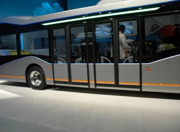 """Futuristinis """"Mercedes-Benz"""" išbandytas miesto trasoje"""