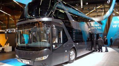 Dviaukštis turistinis autobusas švenčia 50-metį