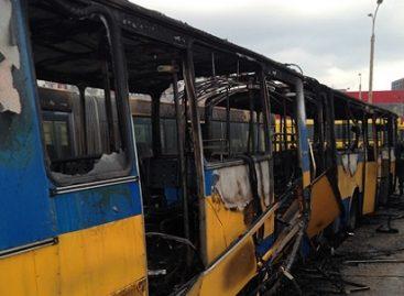 Kasmet Lietuvoje sudega per tūkstantį transporto priemonių
