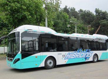 """Į sostinės gatves išvažiavo hibridinis """"Volvo"""" autobusas"""