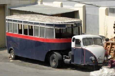 """Pigūs ir patvarūs """"Scammel Scarab"""" autobusai"""