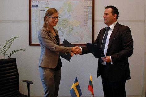 """""""Scania Lietuva"""" ir """"SG Dujos Auto"""" pasirašė bendradarbiavimo sutartį"""