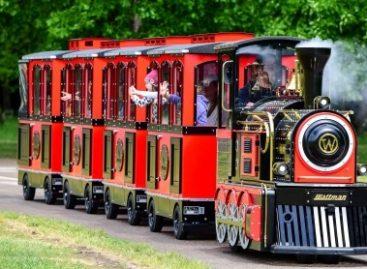 Į Vingio parką išriedėjo traukinukas