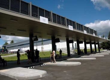 Duris atvėrė nauja, moderni Ukmergės autobusų stotis
