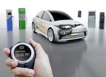 """""""Continental"""" įkrovimo sistema """"AllCharge"""" – universalus sprendimas elektromobiliams"""