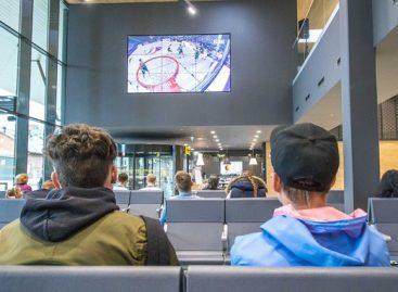 Pirmą kartą Lietuvoje – autobusų stotis pakvietė žiūrėti krepšinio