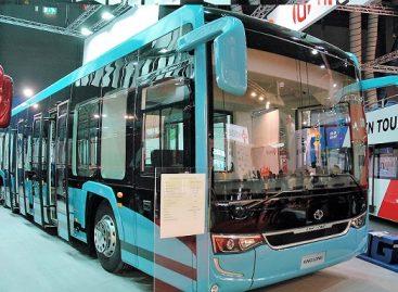 """Įdomesni """"Busworld Europe"""" parodoje pristatytų keleivinių transporto priemonių modeliai"""