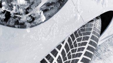"""Didesnio pravažumo automobilių padangų testuose –  """"Goodyear"""" ir """"Dunlop"""" pergalė"""