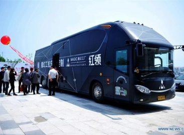 Autobusas, kuris pats išmatuos, paskui pasius drabužį