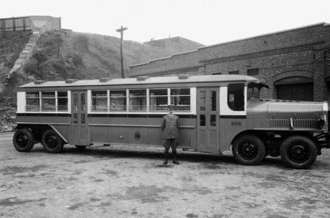 """""""Versare"""" autobusai – iš praėjusio amžiaus pradžios"""