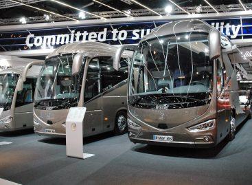 """""""Irizar"""" stende """"Busworld"""" parodoje – """"Metų autobusas"""" ir tramvajus ant ratų"""