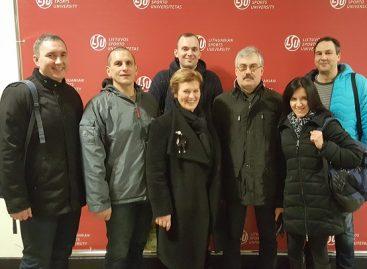 """Bendrovės """"Kauno autobusai"""" darbuotojų komanda dalyvavo sveikiausio darbo kolektyvo konkurse"""
