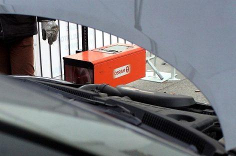 """Automobilių tikrinimo kampanijos """"Nustebink žiemą!"""" rezultatai: tinkamos padangos, bet išsikrovę akumuliatoriai"""