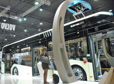 """""""Volvo"""" stende """"Busworld"""" parodoje – atnaujintas elektrinis autobusas"""
