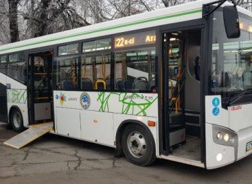 """Į Almatos gatves išvažiavo """"Isuzu"""" autobusai"""