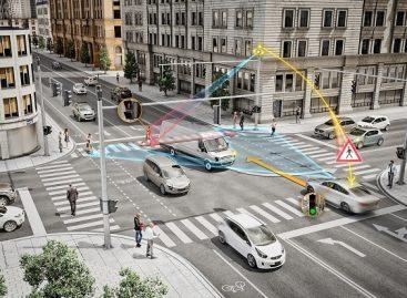 """""""Continental"""" pažangios sankryžos technologija užtikrins saugesnį eismą"""