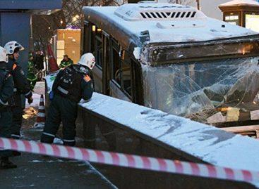 GAZ atstovai mano, kad autobuso avariją Maskvoje lėmė vairuotojo klaida