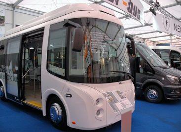 """""""Busworld Europe"""" – netradicinės išvaizdos elektrinis minibusas"""