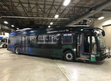 """Elektriniai """"Proterra"""" autobusai išbandomi Aliaskoje"""
