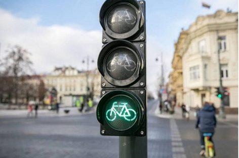 Vilniaus Gedimino prospekte – dviratininkams pritaikyti šviesoforai